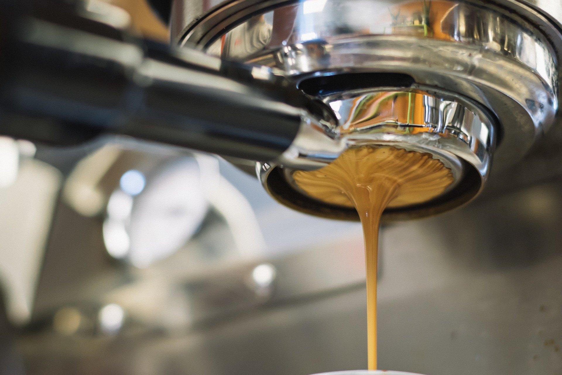 Espresso coming through a portafilter - best automatic espresso machines